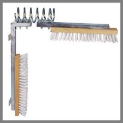 cow / cattle scratching brush