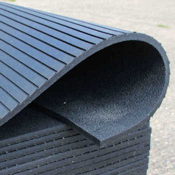 Heavy Duty Rubber Stable Mat - channels on reverse