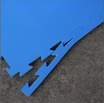 Milking parlour pit mats showing detail of straight edge fitting