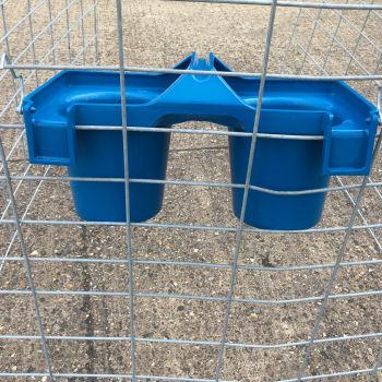 Twin rearing calf feeding bucket